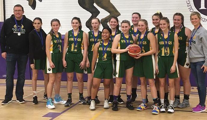 Group shot girls' basketball team.