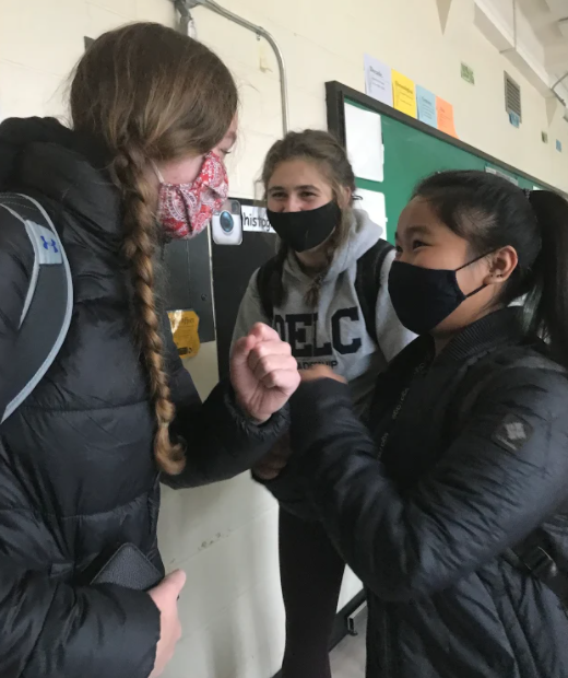 3 students in face masks